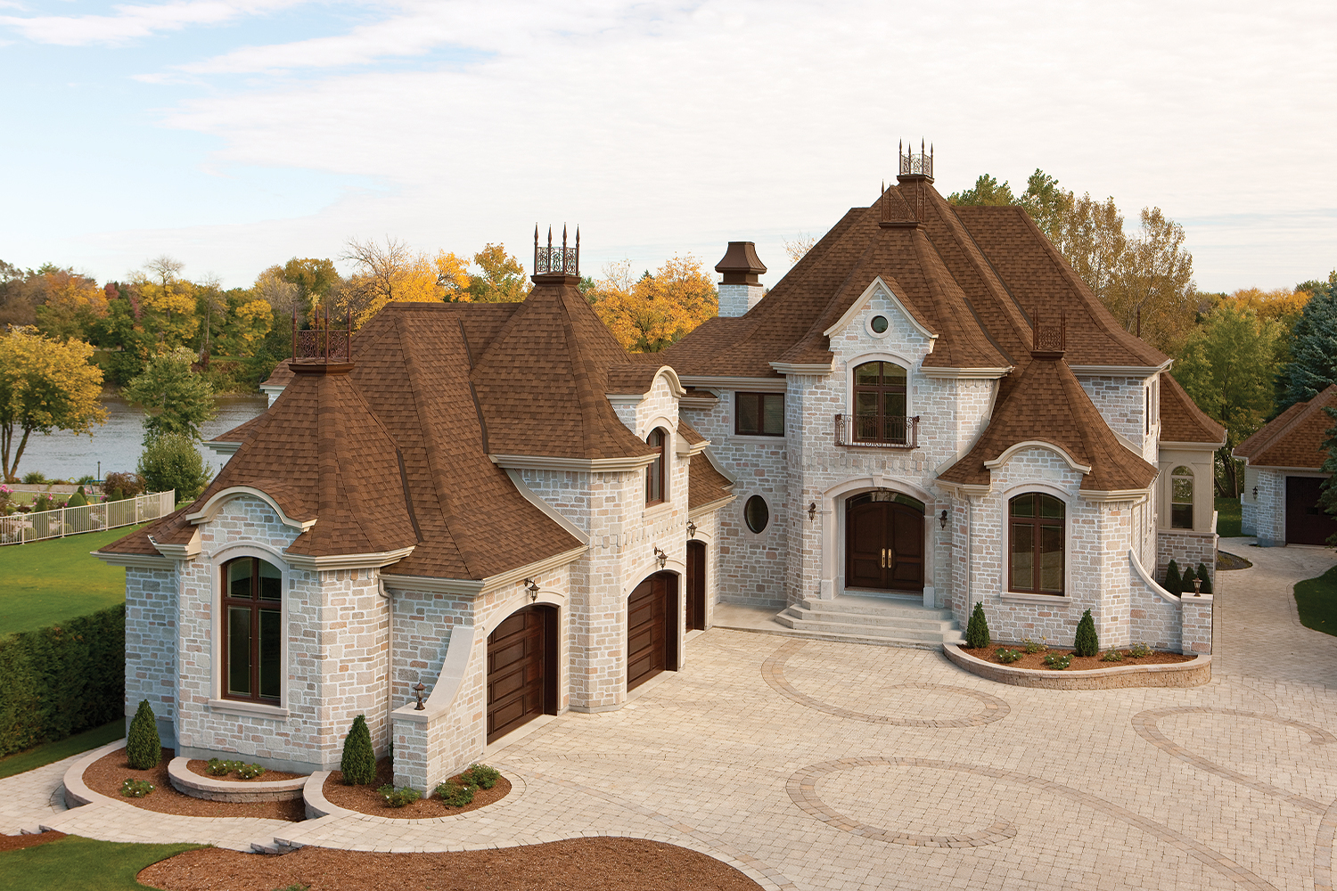 Asphalt roofing shingles in shades of brown