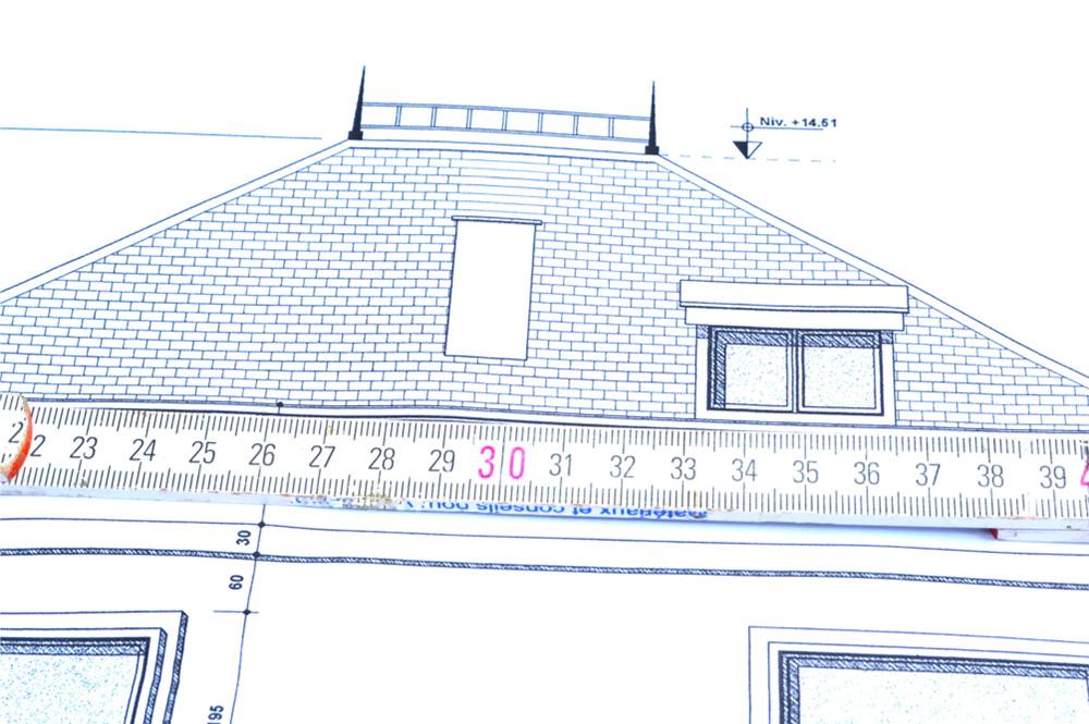 measure roof to quote a roofing job